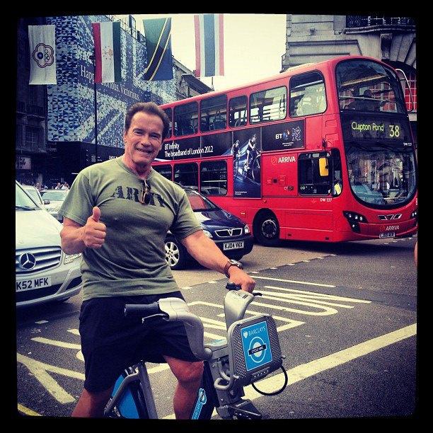 """Ez már London, augusztus 12: """"A legjobb módja, hogy megnézd a várost? Boris Bikes! Nagyszerű ötlet @MayorofLondon!"""""""
