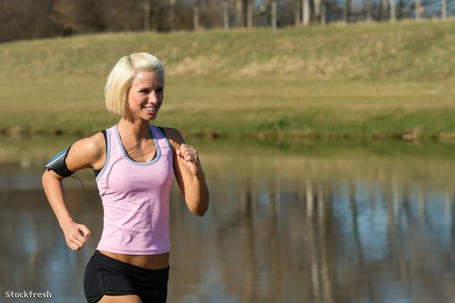 stockfresh 1879081 young-woman-jogging-lake-park-sunny-day sizeM