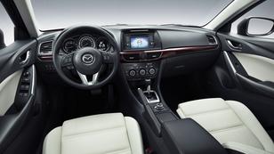 Három éve az új Mazda 6-tal fekszik