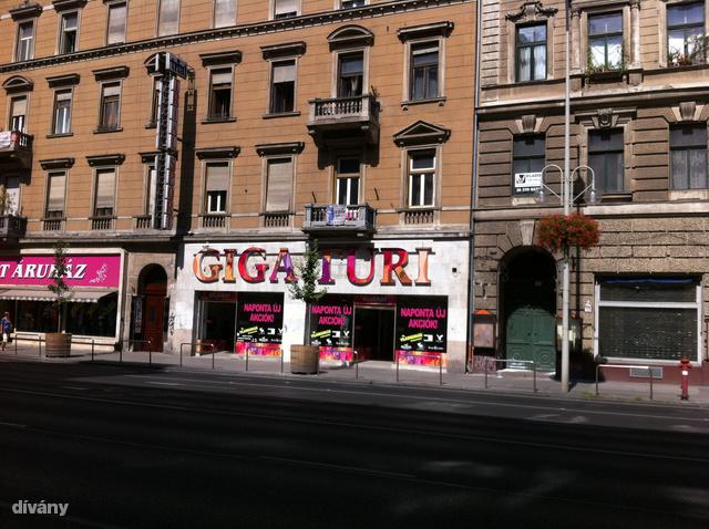 A Giga Turi a Rákóczi út 60. szám alatt található