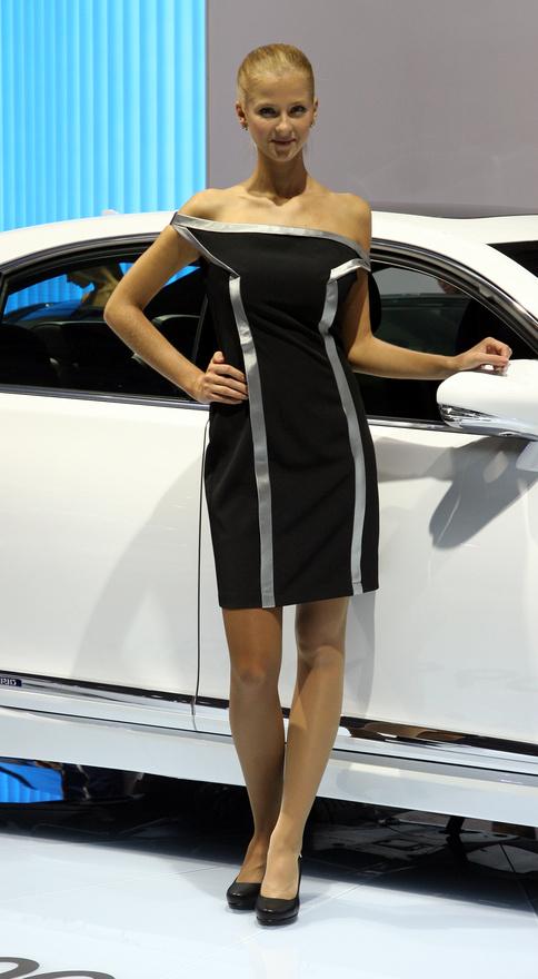 Dress code a Lexus LS600h Sporthoz