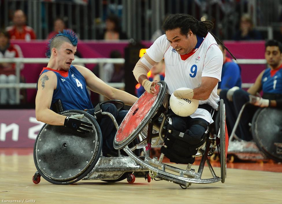 Riadh Sallem és David Anthony küzdelme a paralimpia legkeményebb sportágában, a tolószékes rögbiben.