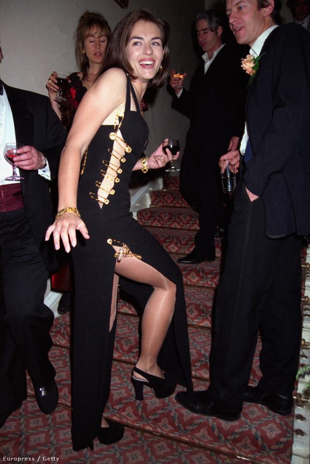 Elizabeth Hurley kapcsos ruhája 1994-ből.