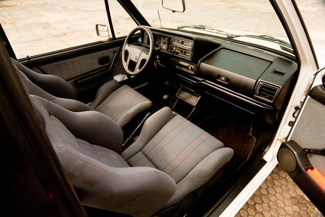 vw colf cabriolet 1990-35
