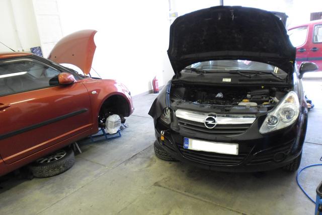 Két autó, ugyanaz a hiba: egy dugattyúcsere és kipufogószelep-beégés