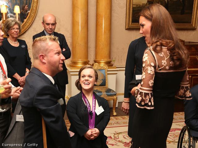 A hercegné és a paralimpikonok a Buckingham palotában