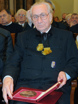 Rózsás János, a Bethlen Gábor díj átvételekor 2008-ban