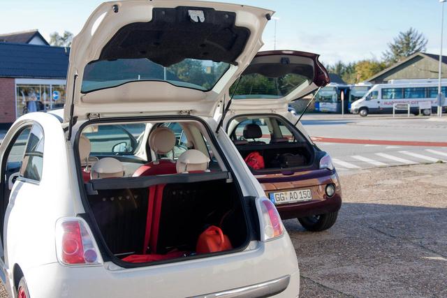 Szemre is vagy négyszer nagyobb a Fiat 500 csomagtere