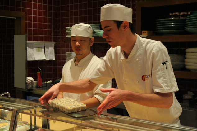 Készül a szusi kóstoló