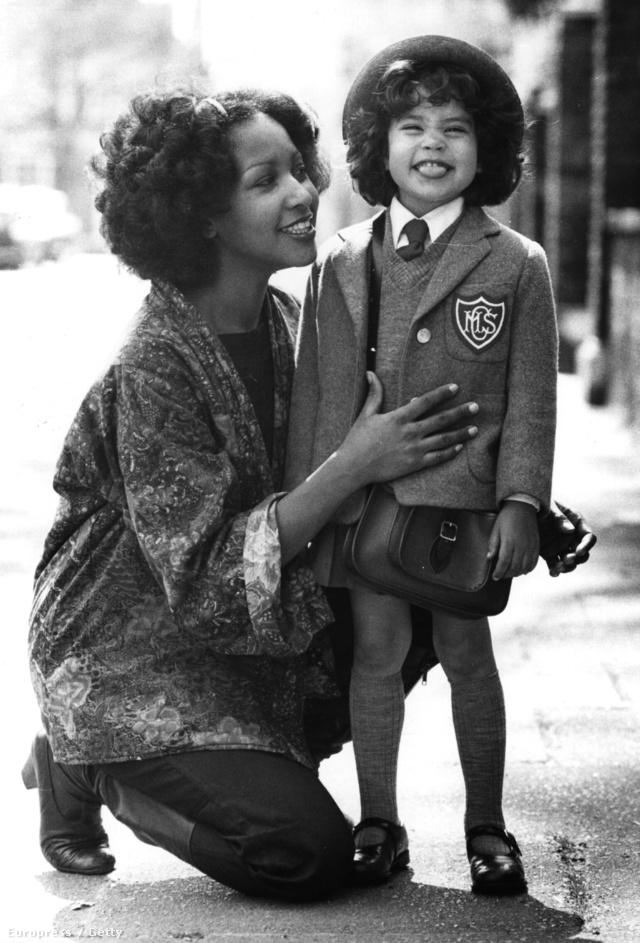 Marsha Hunt és Karis Jagger Hunt (1975)