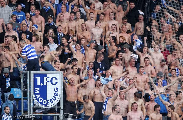 Magdeburg-szurkolók a Leipzig elleni meccsen