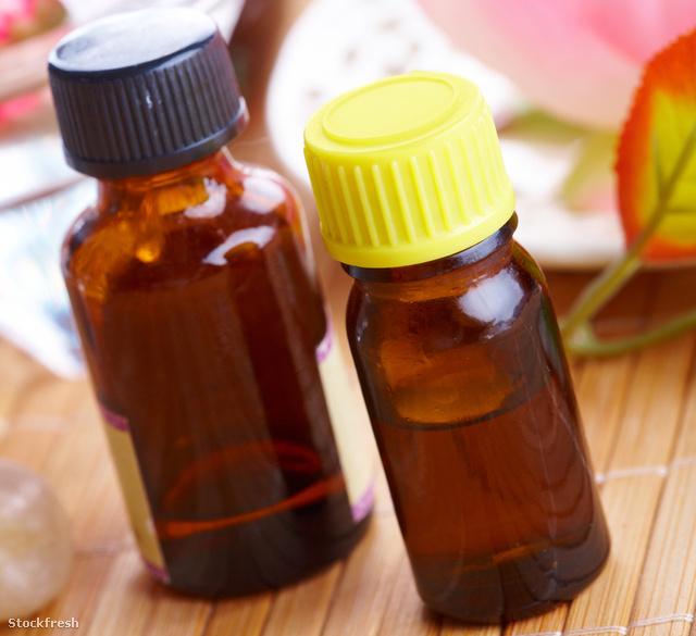 stockfresh 699724 aromatherapy-oil-bottles sizeM