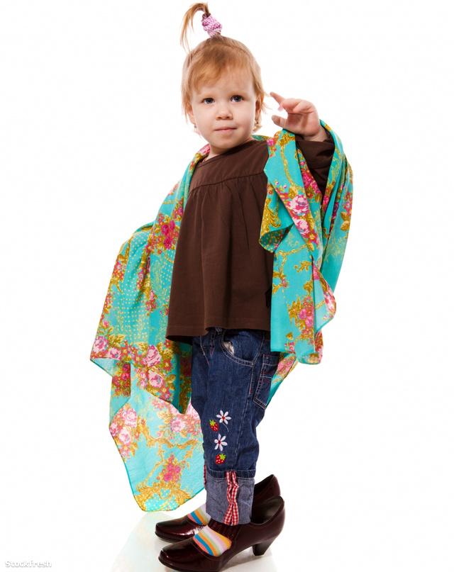 stockfresh 1241038 funny-little-girl sizeM