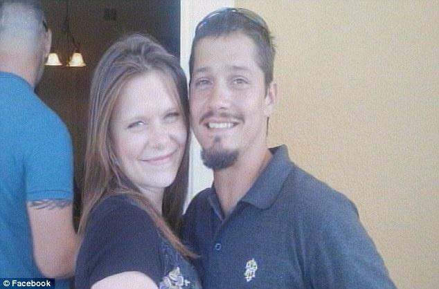 Joshua Kimbrough és barátnője