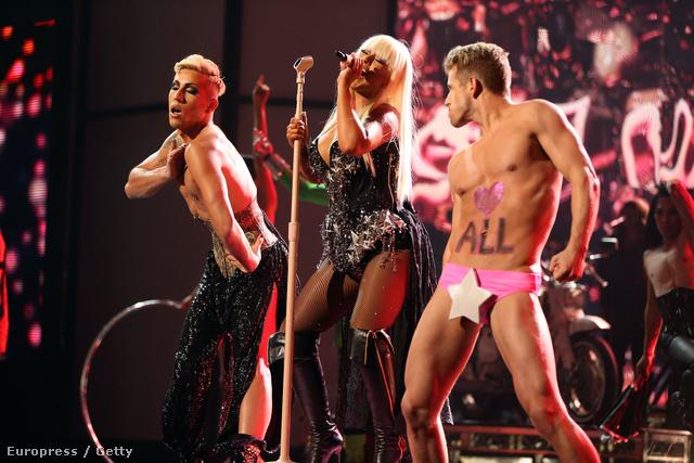 Christina Aguilera a sokszínűséget próbálta megint elfogadtatni