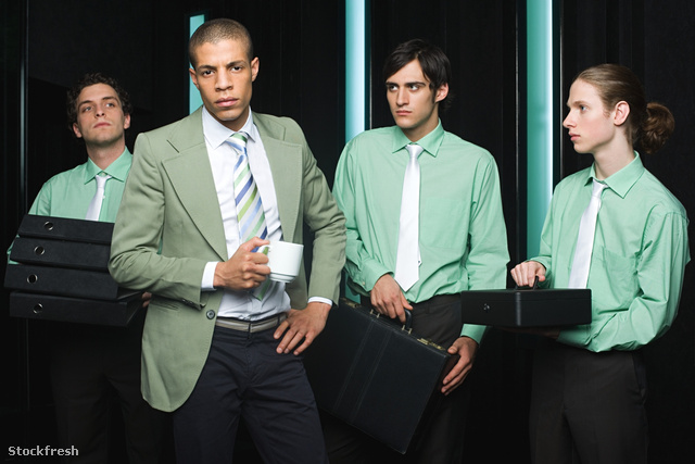 stockfresh 1359945 office-workers-in-green sizeM