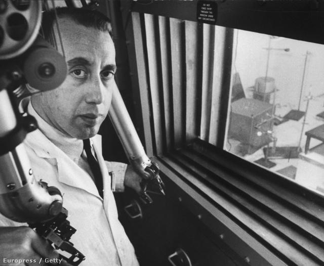 Leonard Reiffel a megbízott fizikus