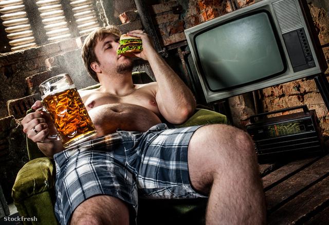 stockfresh 1728118 fat-man-eating-hamburger sizeM