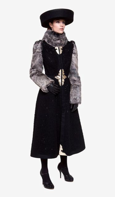 Téli kabát szürke szőr ujjal és nyakrésszel