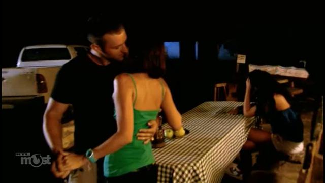 Bence és Melinda imádják egymást az összetört Dorina mellett