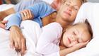 Éjszakai vendégek a szülői ágyban