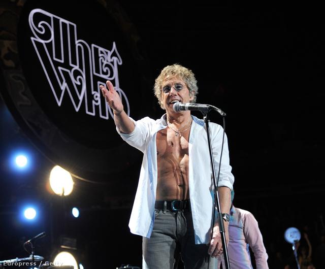 Roger Daltrey kigombolkozott a The Who koncertjén