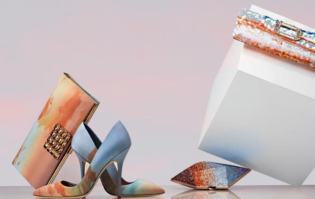 Az abszolút kedvencünk: 'Lucy in the sky', kézzel festett organza clutch és cipő, illetve ezek kristályos verziói