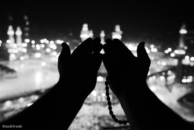 stockfresh 2062069 makkah-kaaba-hajj-muslims sizeM
