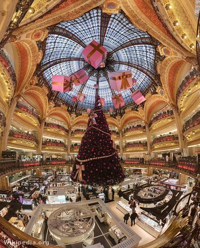 Galeries Lafayette karácsonykor, Párizs