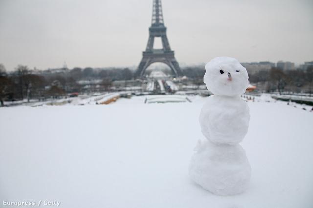 Hóember a párizsi Trocaderón