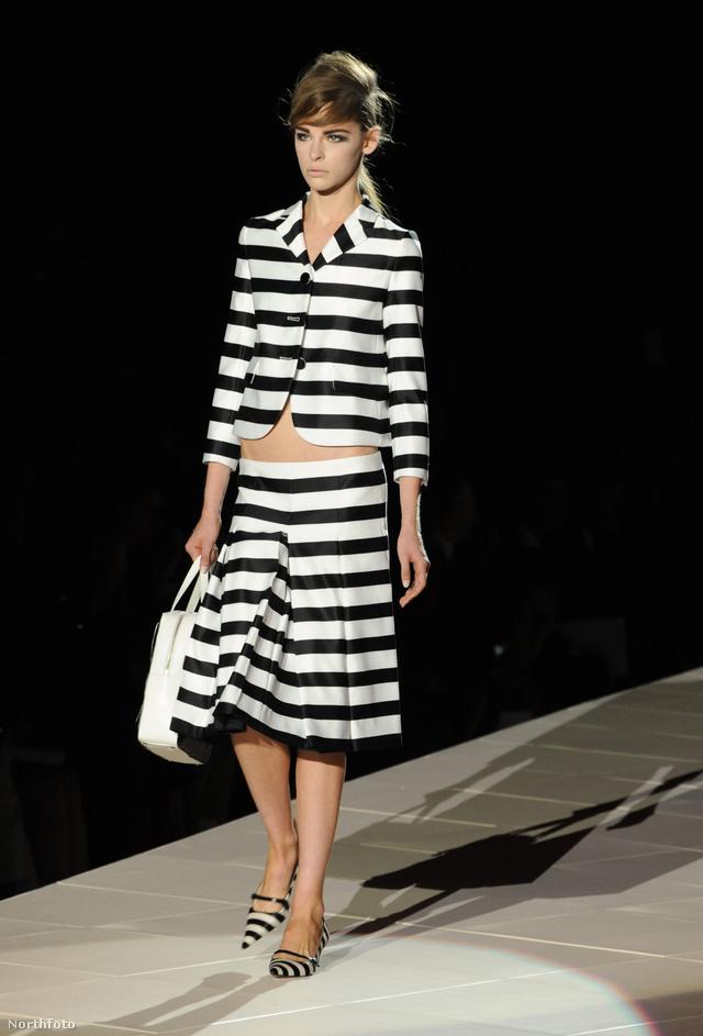 Kosztüm fekete-fehérben Marc Jacobstól
