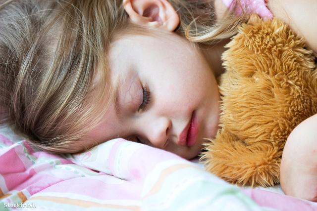 stockfresh 755929 child-sleeping sizeM