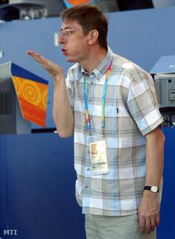 Csókot dob az olimpiai bajnok Janicsnak