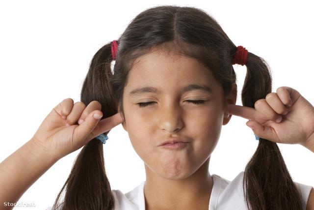 stockfresh 157463 little-girl-closing-ears sizeM