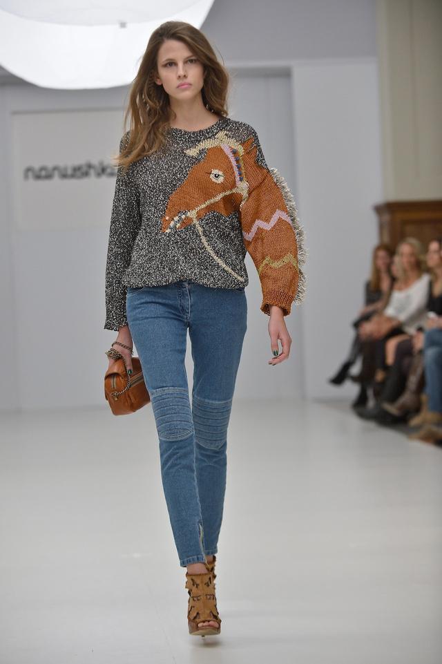 Nanushka lovas pulóvere