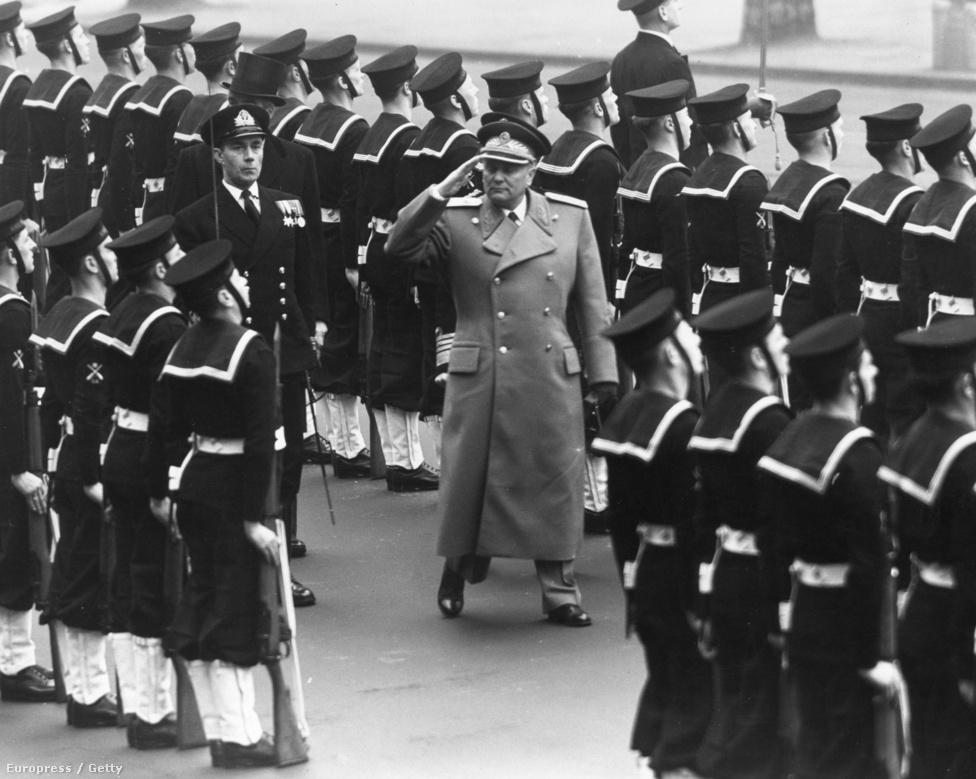 1953. január 14-én Tito marsall váltotta Ivan Ribart az elnöki székben, és ő lett a Jugoszláv Szocialista Szövetségi Köztársaság első számú vezetője. 1953. március 1-én tiszteleg brit katonáknak, mielőtt elhagyja Angliát.