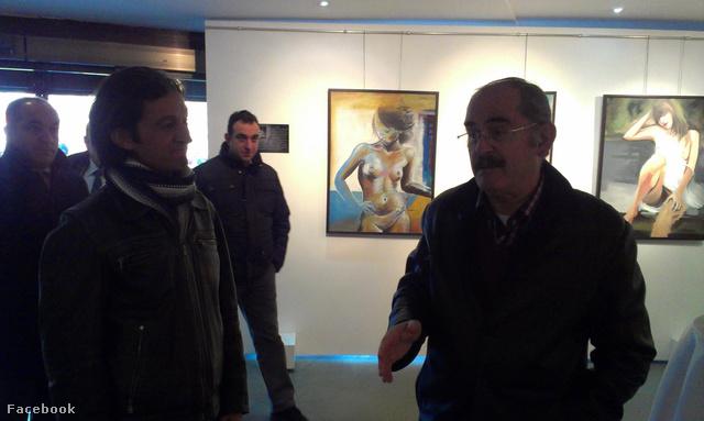 Emin Gülören (balra) és képei