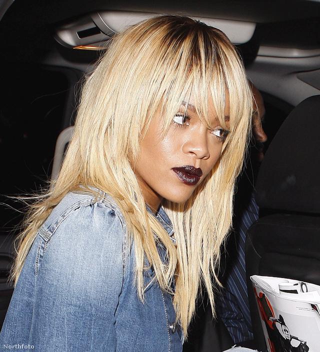 A kiszőkített Rihanna gót rúzzsal,farmer szettben
