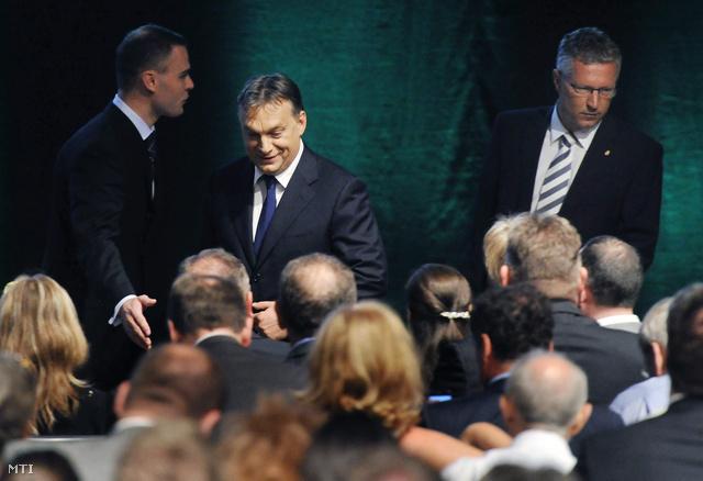 Orbán Viktor miniszterelnök és Petykó Zoltán a Nemzeti Fejlesztési Ügynökség elnöke