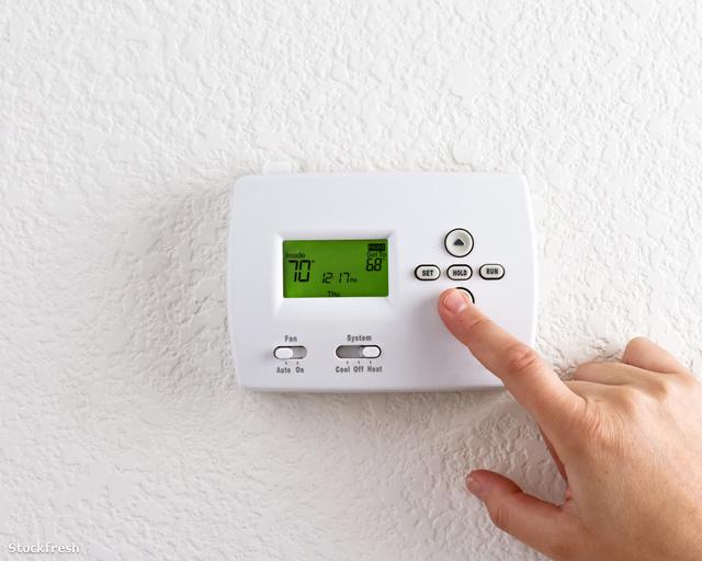 stockfresh 1274848 digital-thermostat sizeM