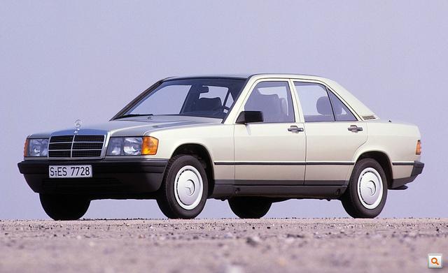 1982-1993-Mercedes-Benz-190E-3