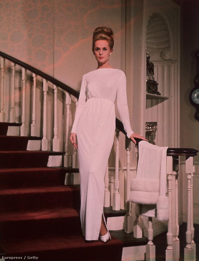Tippi Hedren klasszikus fehér estélyiben 1964-ben