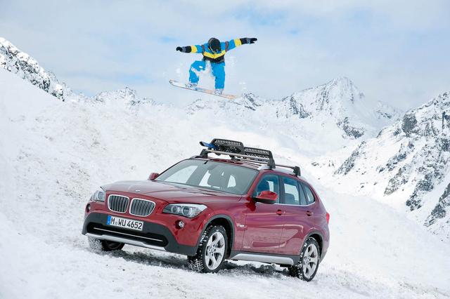 Hó nem volt Szlovéniában, de a BMW előrelátóan megoldotta a problémát - téli kép a gyári kollekcióból