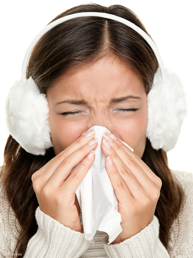 stockfresh 1270237 flu-or-cold-sneezing-woman sizeM
