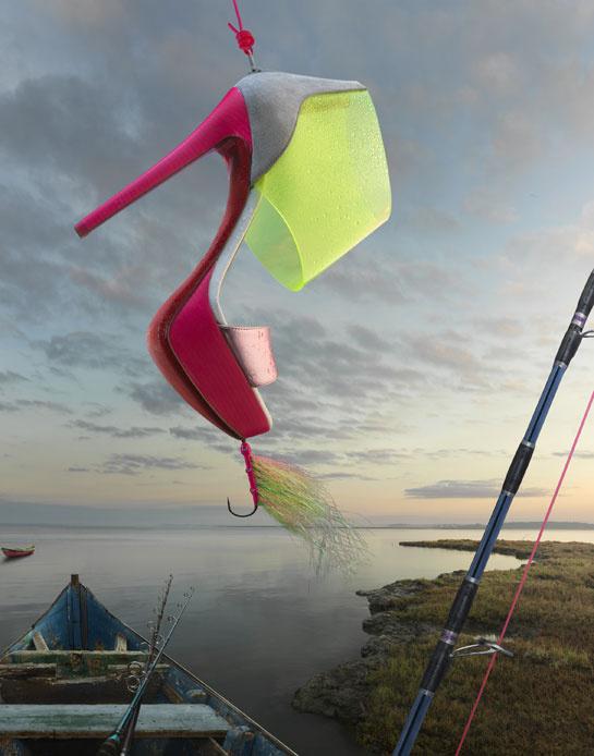 Louboutin idén is Peter Lippmann fotóssal készítette el hirdetését.