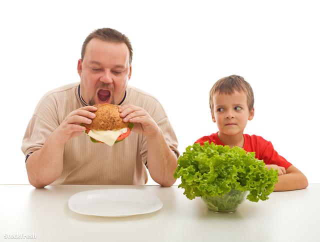 Ó igen, a saláta nagyon finom, és egészséges is!