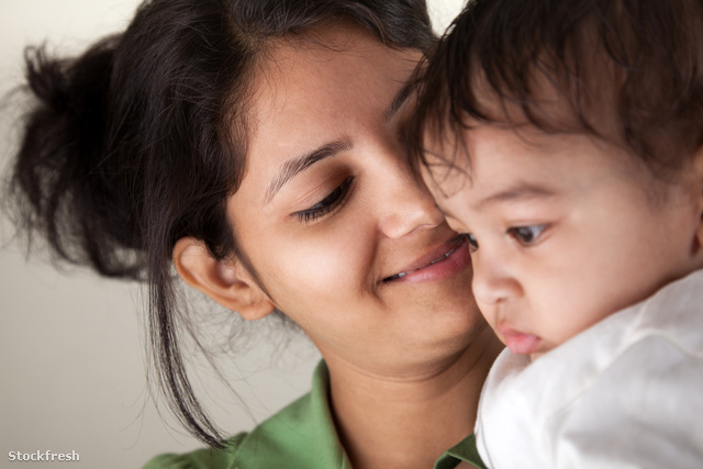 stockfresh 1996376 indian-mother-and-baby-smiling sizeM