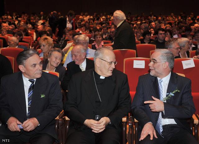 Erdő Péter és Balog Zoltán egy önkormányzati napon