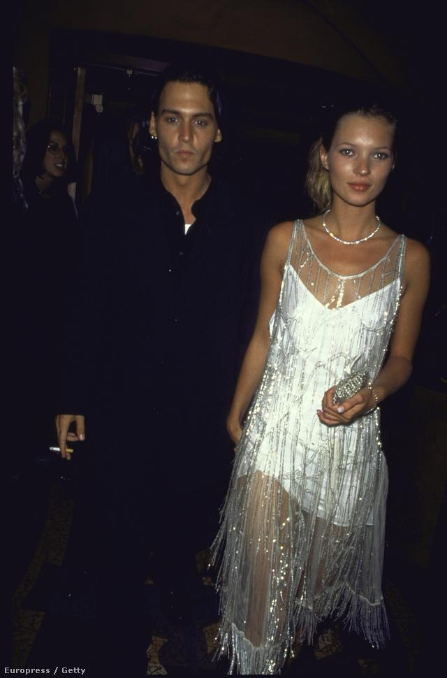 Johnny Depp és Kate Moss Calvin Klein vintage ruhájában 1994-ben
