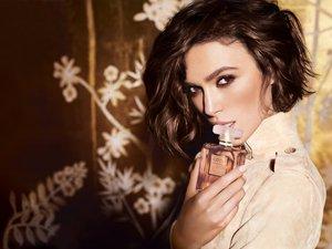 Betiltották a túl szexi Chanel-reklámot